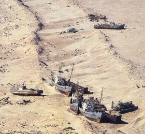 ships-high-dry-aral-sea