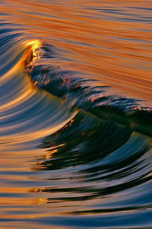 water wave gold