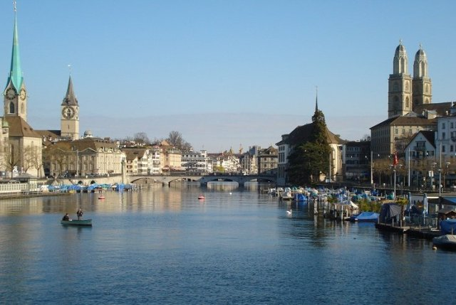 zurich-limmat-from-zurichsee-brucke02 copy