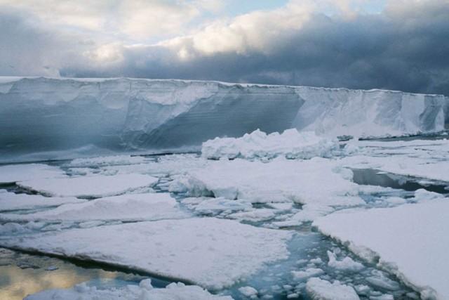glacier break
