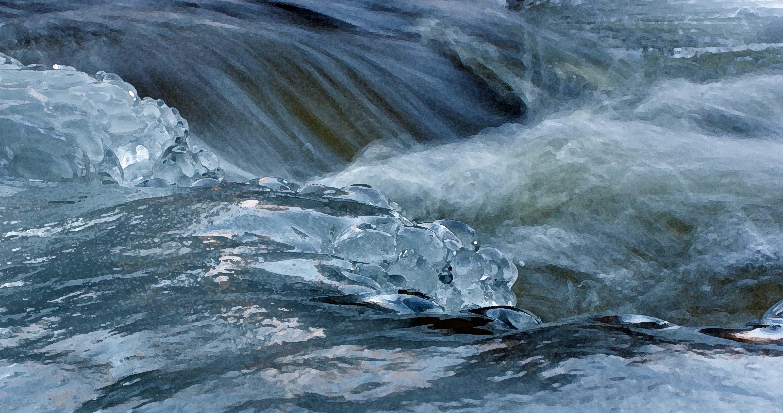 Creek flowing thru ice 4 Dec close DRYBR JC